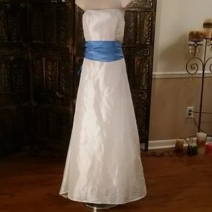 White (shell) dress with blue sash belt, size 6